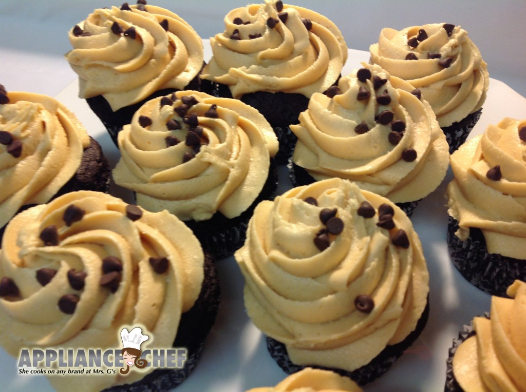 Halloween Weekend Recipes: CHOCOLATE PUMPKIN CUPCAKES WITH PEANUT BUTTER FROSTING| Mrs. G's Appliance Chef