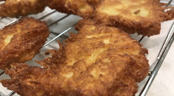 Hanukkah Recipe: Potato Latke | Mrs. G Appliance Chef